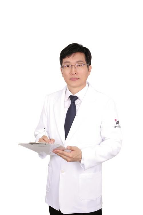 아이디병원 손호성 원장(성형외과 전문의)